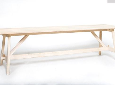 الطاولة الصنوبرية