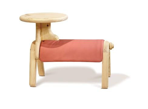 Horse stool، مصمم بواسطة تشن داروي