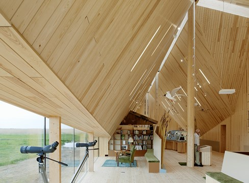 مبنى مركز الزيارة والمعلومات Naturum Tåkern تصميم