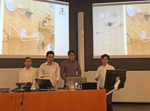 طلاب سنغافوريون بمعهد كيه تي إتش الملكي للتكنولوجيا KTH Royal Institute of Technology يتعرفون على تطبيقات جديدة للصنوبر السويدي